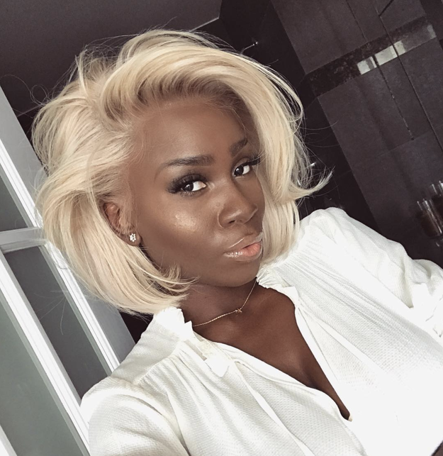 This platinum 'do is perfectly tousled and we want the tutorial ASAP!