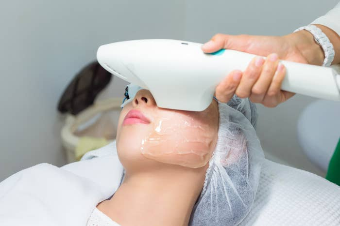 Can Laser Acne Removal change your lifestyle?A lot of people believe that there is a time for laser acne removal. They consider autumn as the best season for laser treatments. That is because the skin can become hypersensitive after a laser procedure. You must not expose the skin to intense sunlight. This is why cosmetic surgeons advise patients to take up laser acne removal during winter or fall months. These are seasons when you would spend very little time outdoors.Irrespective of when you take up the laser treatment, you should wear a sunscreen. Stick to sunscreens with high SPF. Sunscreens will protect your skin and reduce the risks of premature aging.Will Laser Acne Removal Hurt?Most people believe that laser acne removal is similar to snapping a rubber band against the skin. Well, the feeling of laser acne removal depends on many factors. In most cases, it depends on the skin under treatment, the patient's ability to handle pain and the depth of the area under treatment.Laser acne treatments require a topical numbing cream that can offset pain!Nevertheless, fear not! At all times your cosmetic surgeon will make sure you are as comfortable as possible.Is Laser Acne Removal only for the light skinned?A common myth is that laser acne removal is only for people with light skin. It is true that some laser treatments can discolor darker skin and result in cell damage. Yet, there are safe acne removal procedures. If you have darker skin, you must handpick the right laser acne removal treatment for you.Do you need a skilled cosmetic surgeon?At all times, the laser acne removal treatment should be performed by knowledgeable and trained professional. The cosmetic surgeon should be able to improve your skin's health and appearance. Laser acne removal in the hands of a novice of poorly skilled surgeons will be dangerous.Always decide on a surgeon who is trained, experienced and certified.Are you planning on multiple laser acne treatments?To play safe, you must take up a 