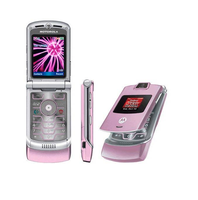 Teen girls pink motorola cell, teens who suck s