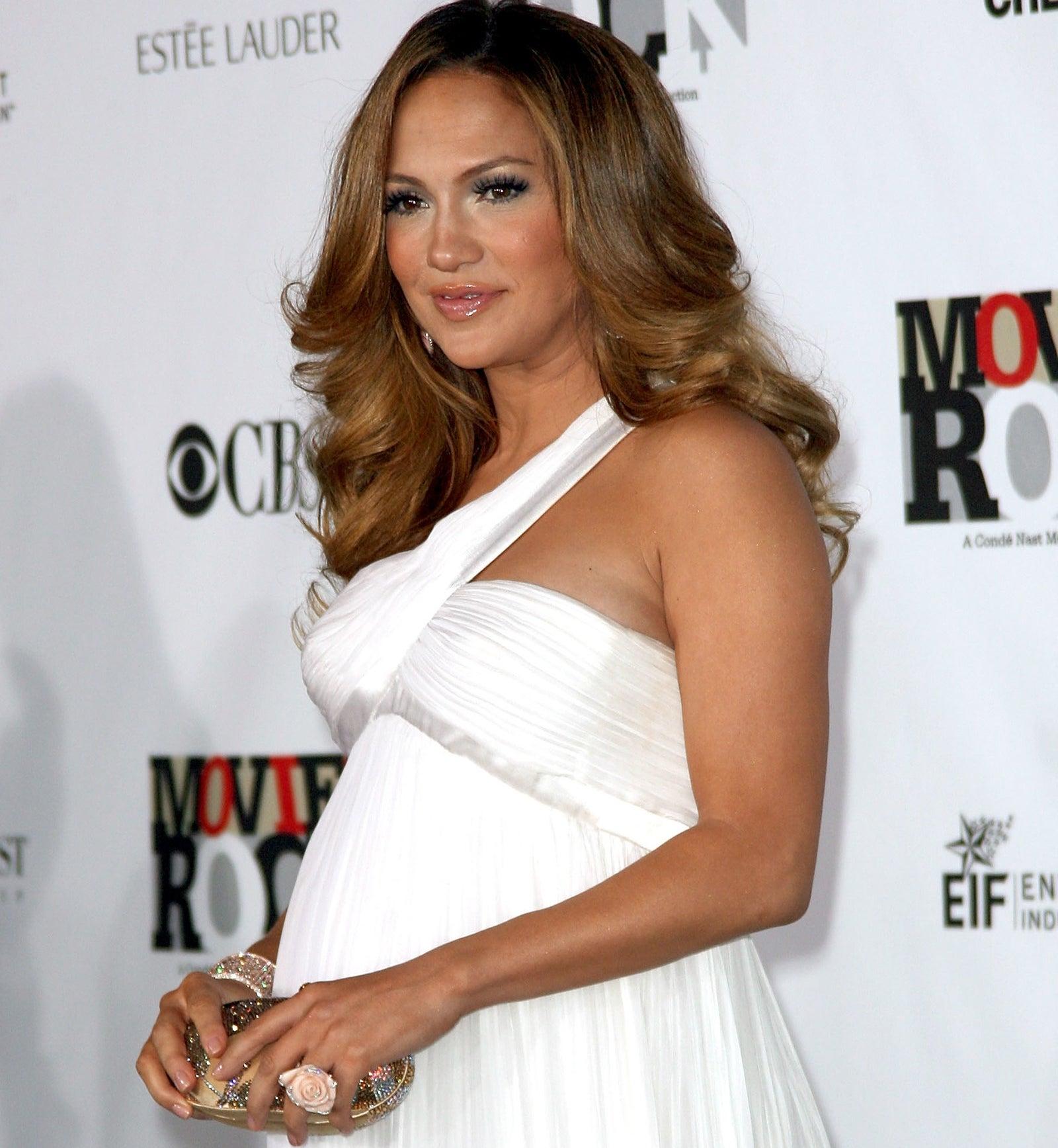 Jennifer Lopez gave birth to twins: son Maximilian David and daughter Emme Maribel.
