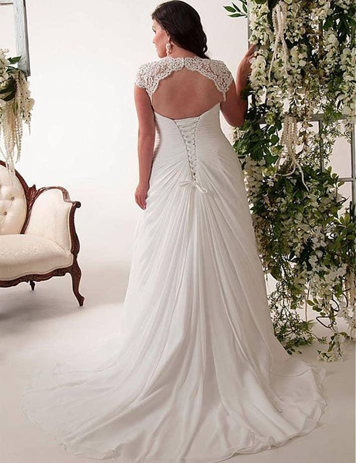 33 Absolutely Gorgeous Plus-Size Wedding Dresses