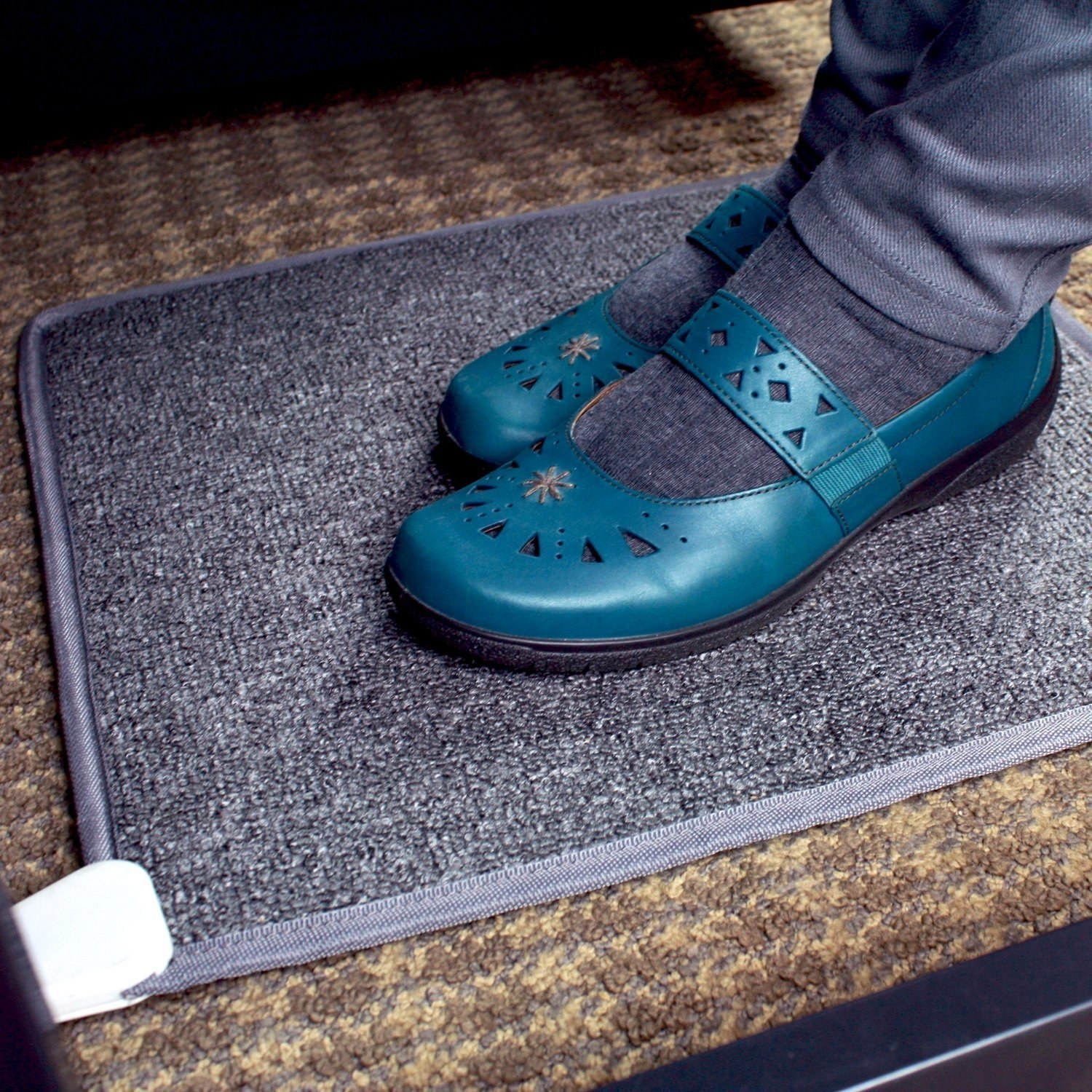 16 things that 39 ll keep your feet warm all winter long for Hardwood floors hurt feet