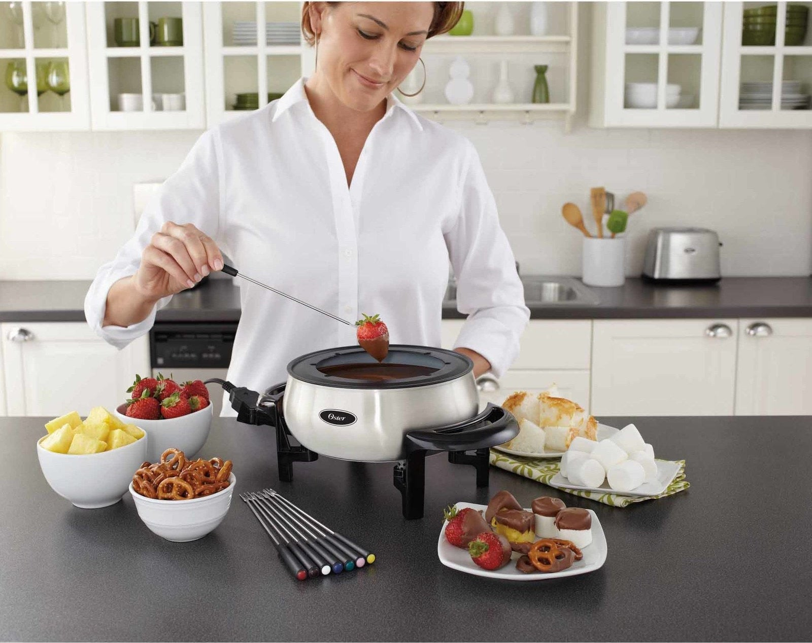A three-quart fondue set with innovative nonstick coating that lasts four times longer (!) than other pots.
