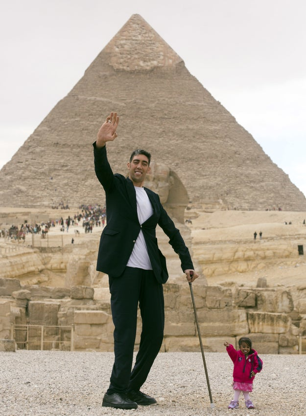 The world's tallest man and shortest woman met and hung out in Cairo, Egypt, over the weekend.