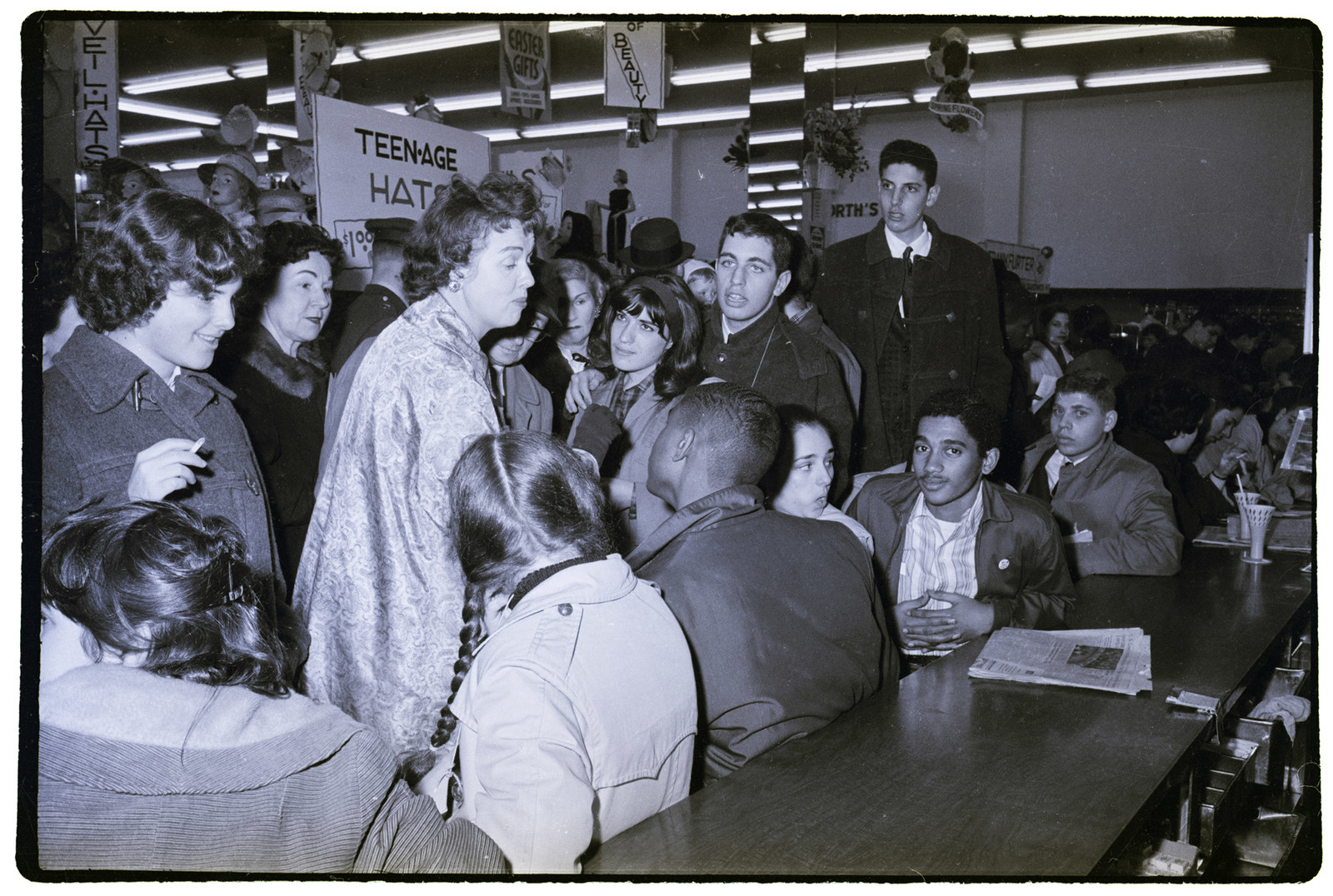 latinos during the 1960s Latino presence grows  during the 1960's the population in the united states grew from 3 million to more 1960's-latinos and native americans fight for equality latino population (americans of latin american decent) grew from 3 to 9 milliondocuments.