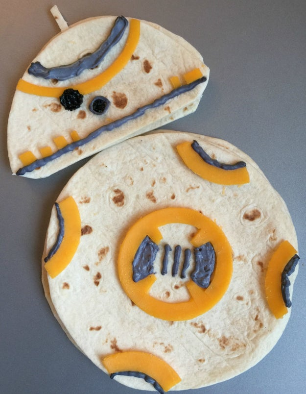 This BB-8 quesadilla doesn't look TOO hard to make — and should get a big reaction!