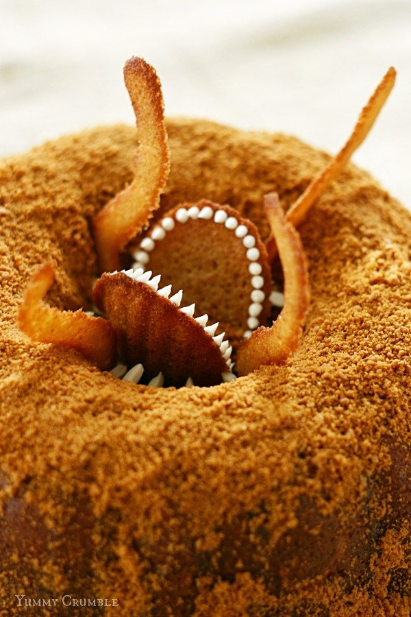 Try making this bundt cake that looks almost exactly like the Sarlacc pit in Return of the Jedi.