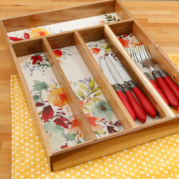 This floral-patterned cutlery tray to help you pretend you own the farm kitchen of your dreams.