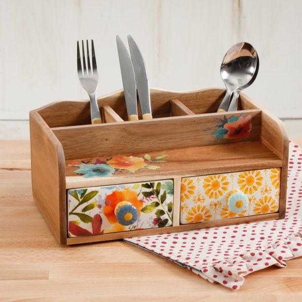 A flatware caddy for... well, flatware.
