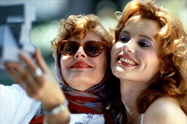 Filme retrô e feminista, com as maravilhosas Susan Sarandon e Geena Davis no seu melhor momento, enfrentando tudo desde bandidos até a polícia. Assista no Now.