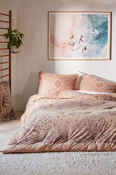 5 Urban Outers S Some Of The Coolest Bedding At Least Imo I M Pretty Sure You Ll Agree