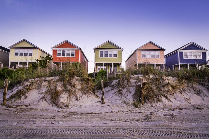 This vacation town on South Carolina's Atlantic Coast is popular southern destination, especially during the summer months. Myrtle Beach is seat on the Grand Strand, a huge expanse of white sandy shores that stretch as far as the eye can see. Given the never-ending entertainment options from golf and tennis to swimming and exploring the boardwalk, it's no wonder why Myrtle Beach is a quintessential destination for families.