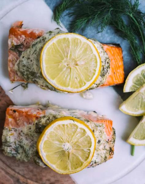 Salmon With Lemon-Dill Sauce