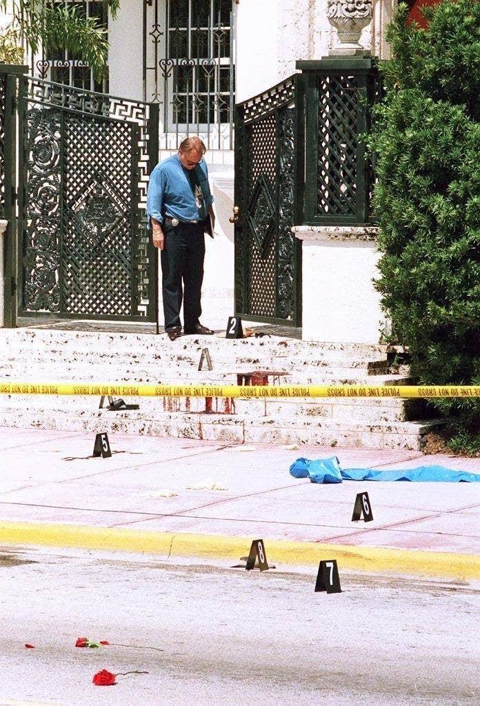 50 Powerful Photos Taken After Gianni Versace S 1997 Murder
