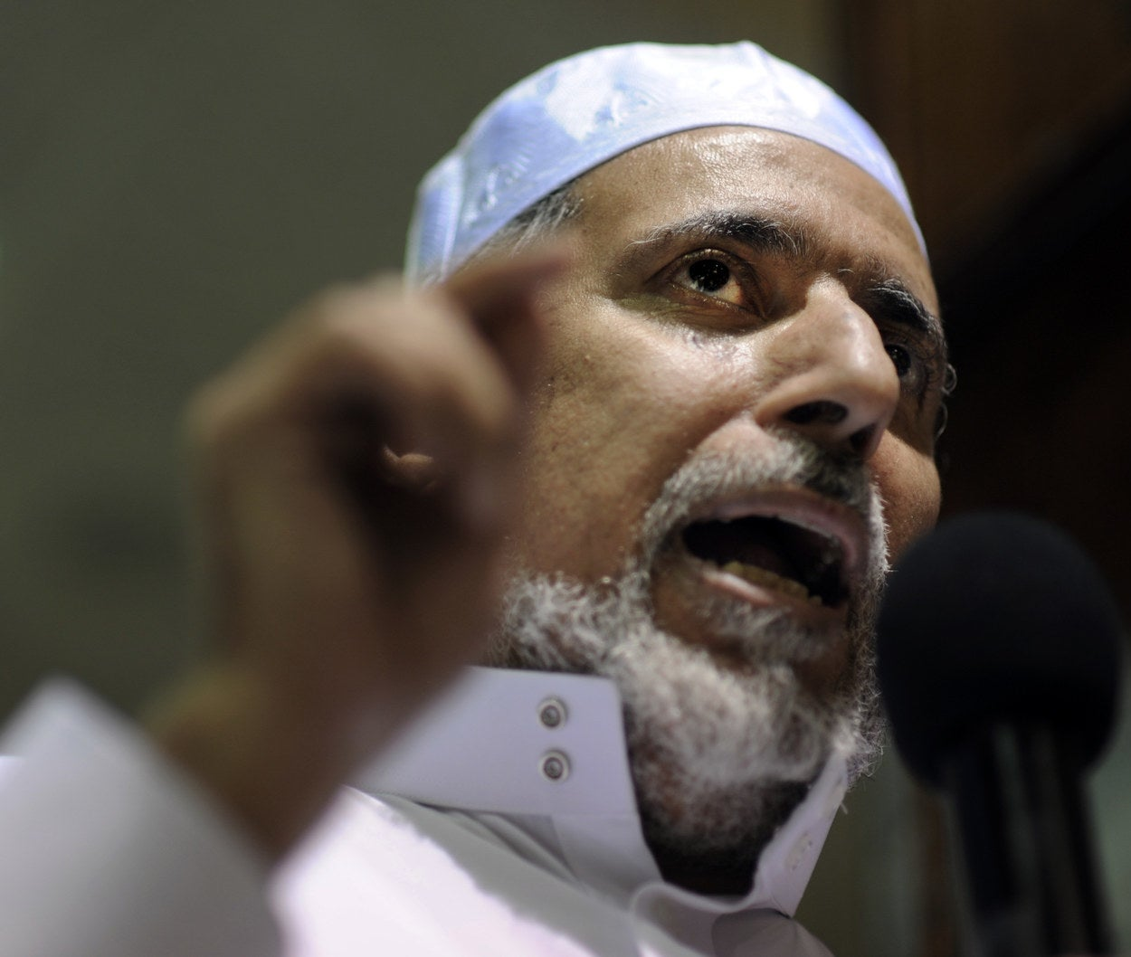 Imam Shaker Elsayed of the Dar al-Hijrah Islamic Center in 2011.