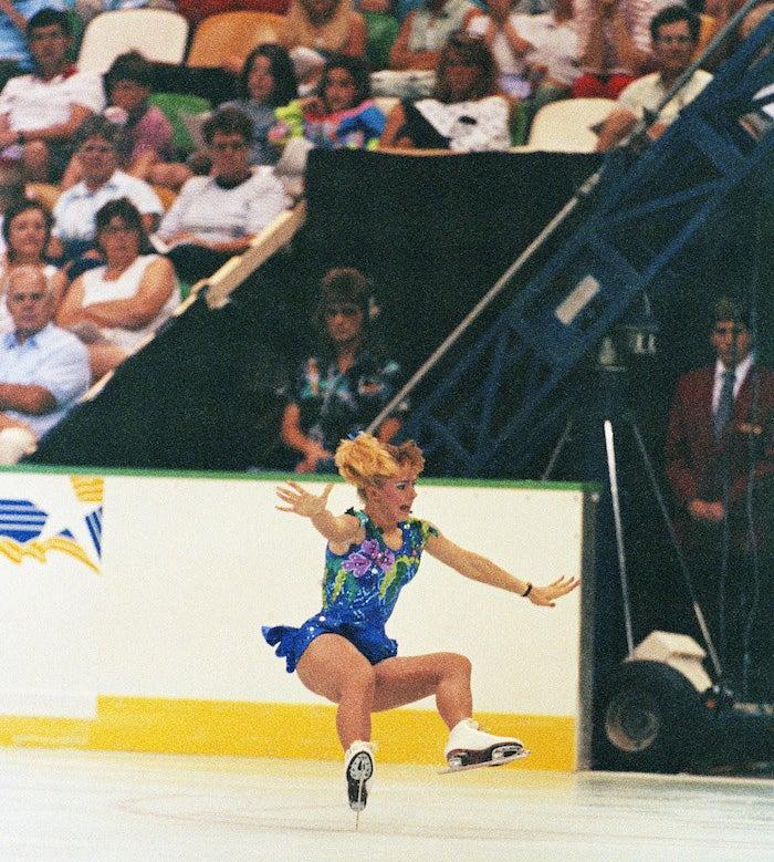 奥运史上第一位成功完成「3周半跳」的美国亚裔女选手,滑冰女将激动落泪! -5a82876c7bb51
