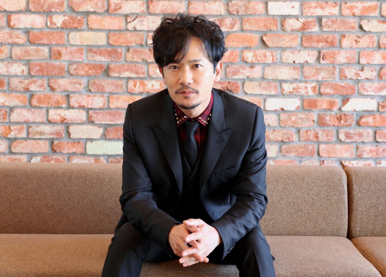 チェックのシャツの稲垣吾郎