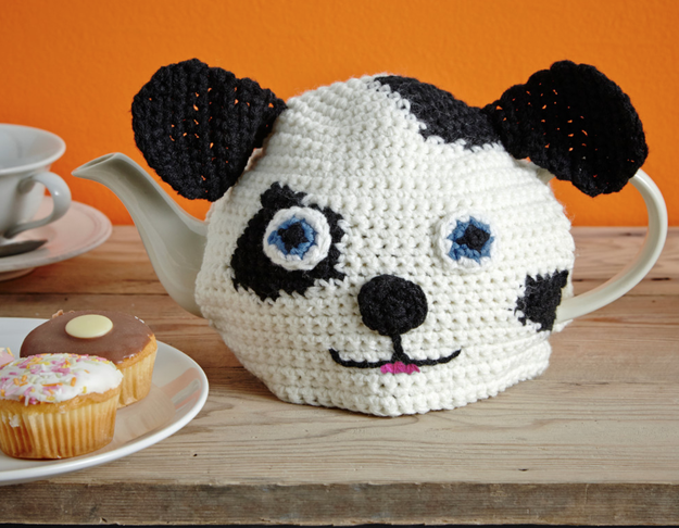 A 100% cotton kettle cosy since we all know that lukewarm tea is undeniably the worst.