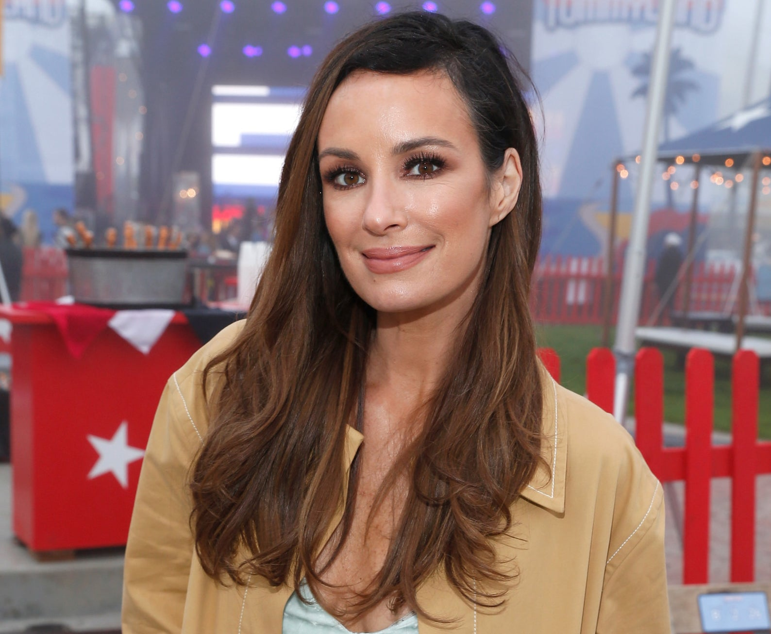 It's been nearly two months since Catt Sadler  announced her departure  from E! after learning her male colleague, Jason Kennedy, was being paid double her salary.
