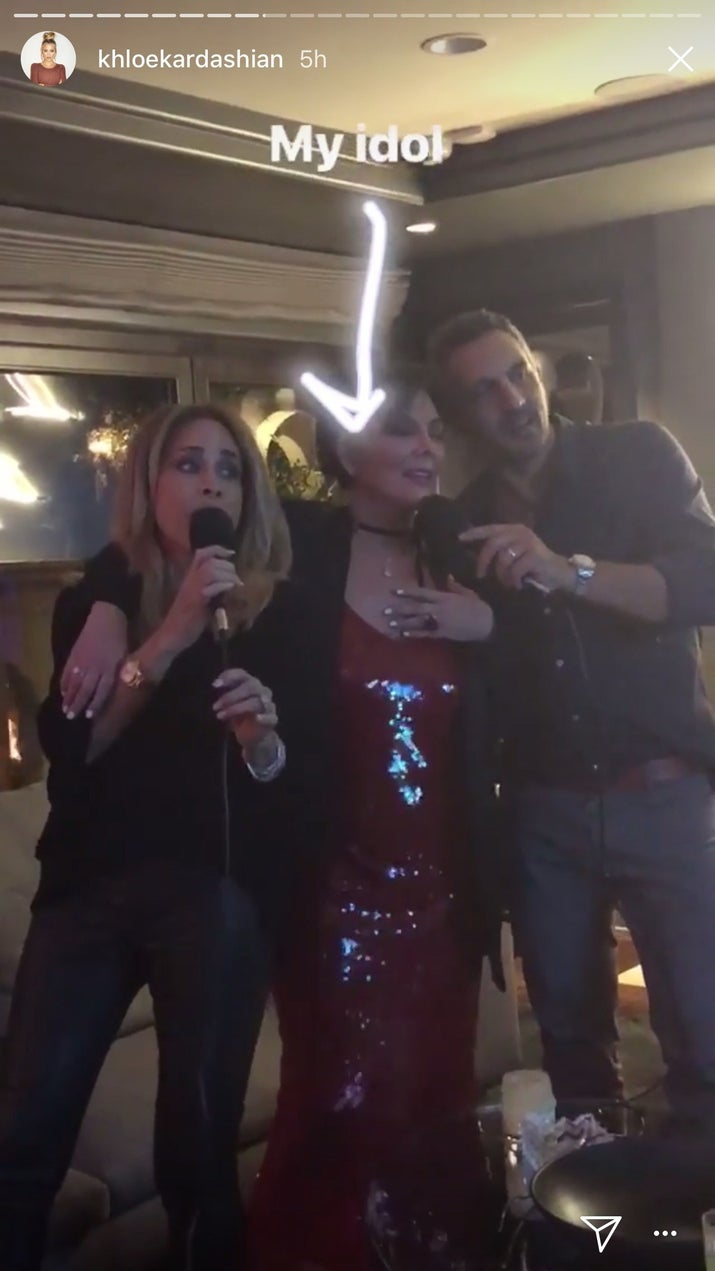 Drunk Kris Jenner's Valentine's Day karaoke is extremely entertaining.