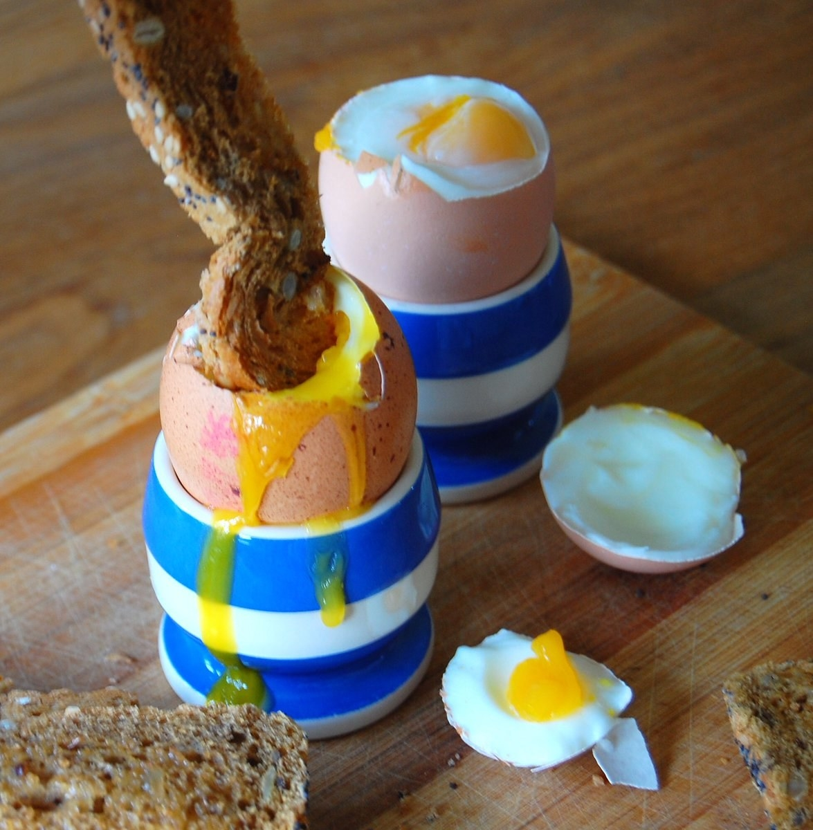 14 People Who Know How To Eat Eggs The Right Way And 1 Person Who Doesn't