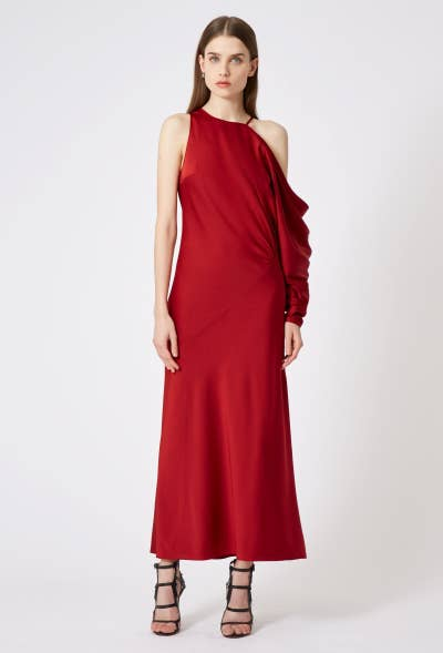 6decc238731 9. AQAQ specializes in dresses with avant-garde yet elegant silhouettes.