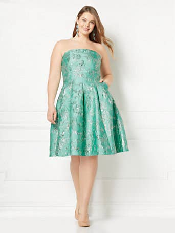 39201dda405 2. New York   Company is a totally underrated place to find formal dresses  with affordable price tags.