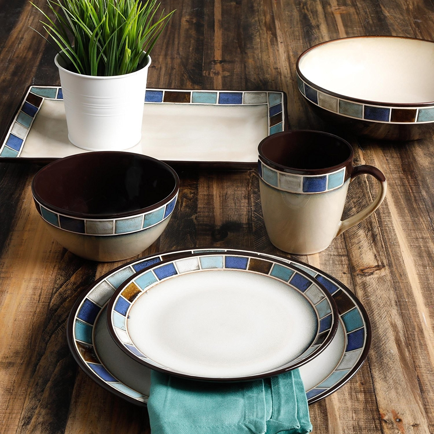 An artisanal-style pick so you can add a lilu0027 flavor in your dishware selection because weu0027re positive youu0027re already bringing the flavor in the yummy food ... & 15 Of The Best Dishware Sets You Can Get On Amazon