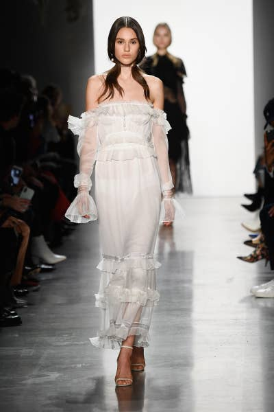 6f15e6ed723fa 20 Looks From The Runway That You Can Get For Less