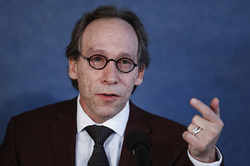 Facing Sexual Harassment Allegations, Physicist Lawrence Krauss Will Not Appear At Several Events