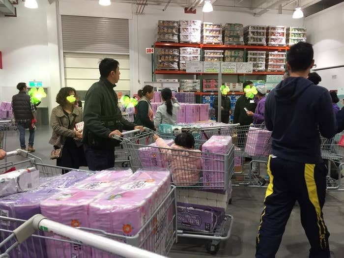 Supermarkets said that prices for toilet paper would be increasing by 10–30% by mid-March, citing the rise in the price of pulp internationally.