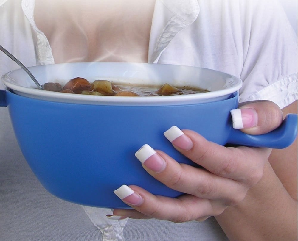 A microwave-safe bowl you can take out immediately with your bare hands without scorching yourself.