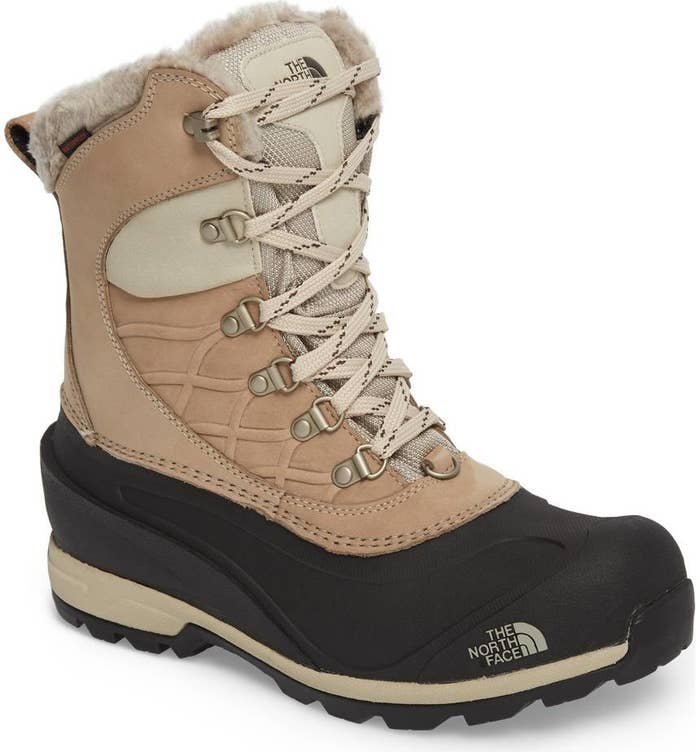 a822f7c3032 23 Snow Boots That Are Truly Worth The Investment