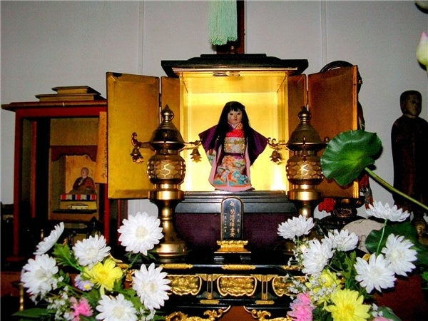 In 1918, 17-year-old Eikichi Suzuki bought a doll for his sister, Okiku. She quickly became attached to it, even christening it with her first name. But sadly, she died a year later of an intense fever. The family built a memorial altar in her honor, placing Okiku (the doll) at the center of it. Shortly afterwards, the Suzukis noticed that Okiku's hair was growing. Believing that the spirit of their daughter had latched onto the toy, the family donated her to Japan's Mannenji Temple, where she is still on display. Her hair continues to grow, and is currently 10 inches long.