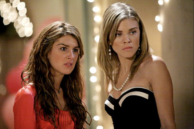 """AnnaLynne McCord And Shenae Grimes Were Not Friends While Filming """"90210"""" And I'm Living For The Tea"""