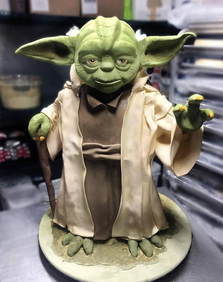 este Yoda hasta se ve mejor que el original