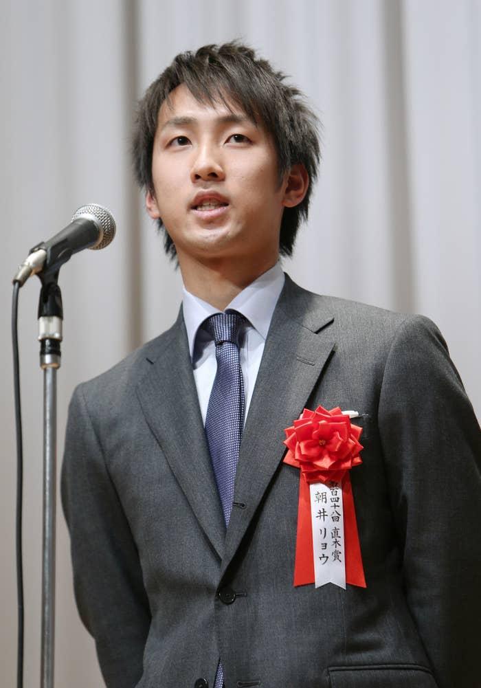 朝井リョウ(2013年、直木賞授賞式で)