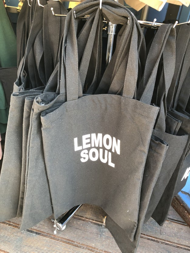 A tote with lemon soul.