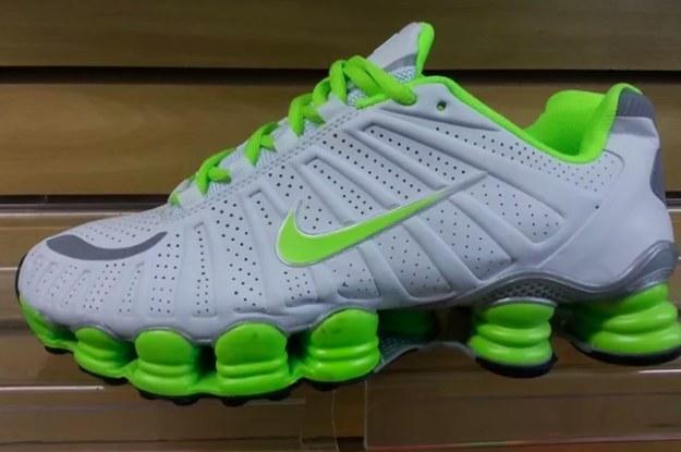 ee090816f3 Este teste vai mostrar se você ama sapatos feios