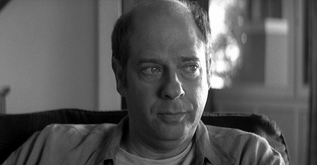 Stephen Tobolowsky, who played amnesia-affected Sammy Jankis in Memento, actually suffered from temporary amnesia IRL after a kidney stone procedure.