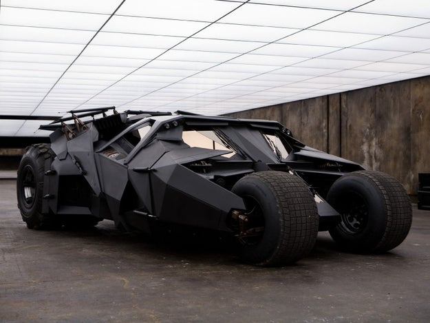 While the Batmobile was being moved to film a scene on the streets of Chicago, a drunk driver accidentally crashed into it in a state of panic believing it to be an invading alien spacecraft.