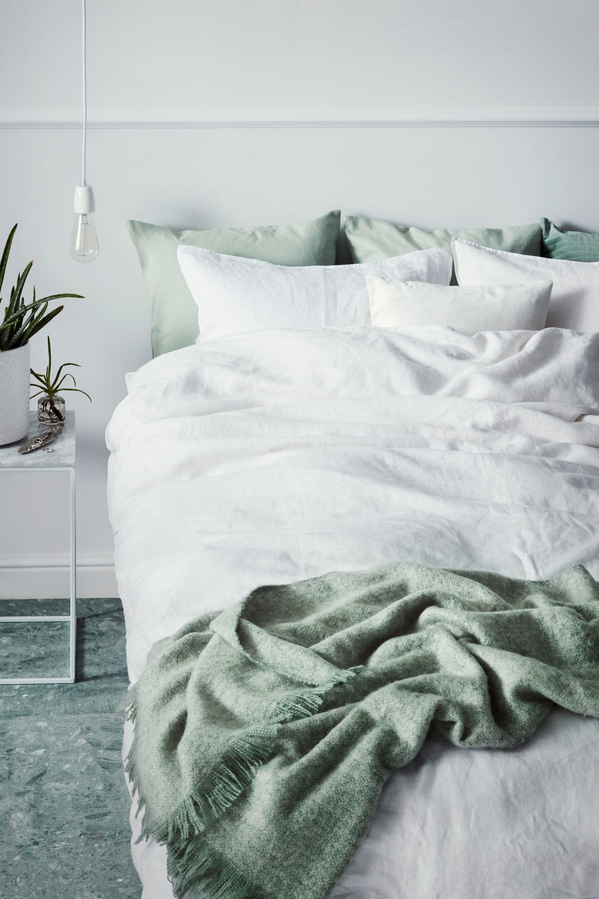 Hu0026M Has Reasonably Priced Bedding To Give Your Room A Chill, Minimalist  Look.