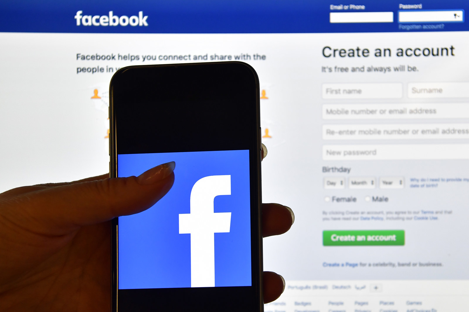 You Should Really Look At Your Facebook Third-Party App Settings Right Now
