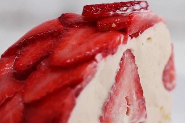 冷やし固めるだけ!たっぷりいちごのチーズドームケーキ