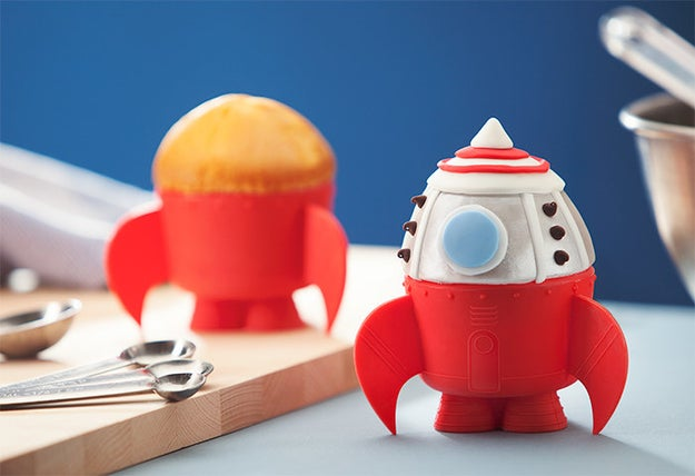 A set of rocket ship baking cups for whipping up cupcakes that look and taste out of this world.