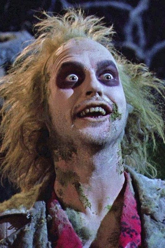 7 Side By Side Photos Of The Beetlejuice Cast Then Vs Now
