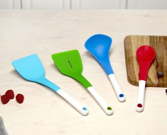 Keep that cookware set scratch-free with a heat-resistant silicone kitchen utensil set.