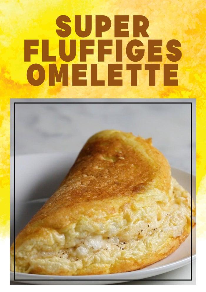 2 PortionenZUTATEN5 große Eiweiß3 große Eigelb2 Esslöffel ungesalzene ButterSalz zum AbschmeckenPfeffer zum AbschmeckenFrischer Schnittlauch, gehackt, zum Garnieren