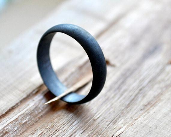 Wedding rings Strange