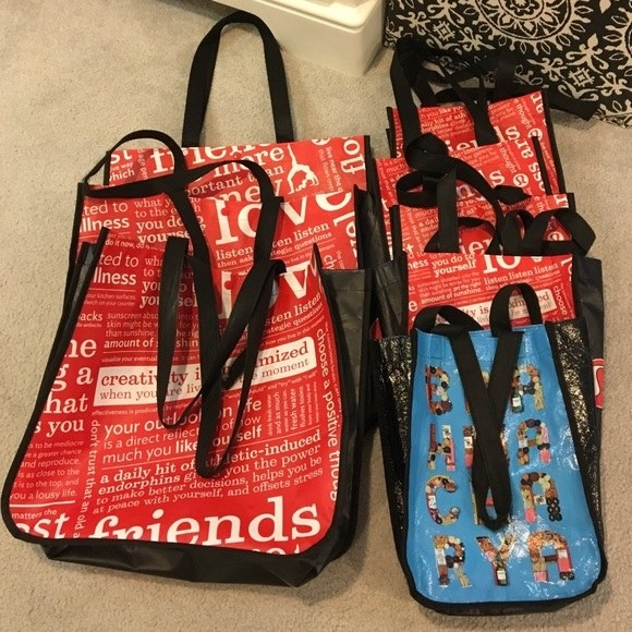 """Some sellers have lofty goals. This """"posher"""" is selling a bunch of Lululemon tote bags (which you get for free when you buy anything in store or online) for $95."""